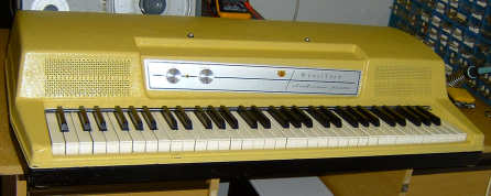 Yellow Wurlitzer, EP200